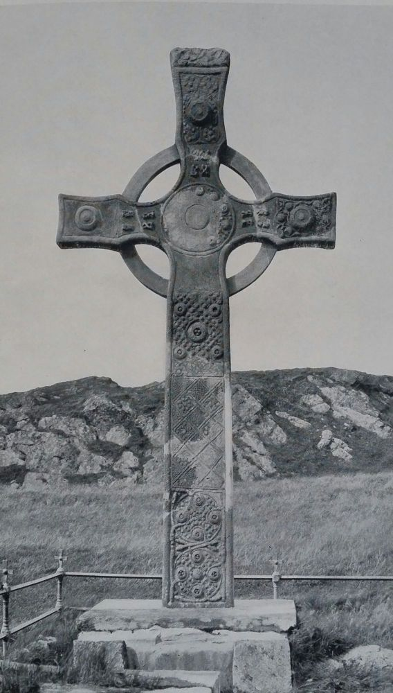 The Crosses and Culture of Ireland; The Metropolitan Museum of Art. Arthur Kingsley Porter.